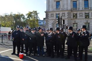 Дружелюбные полицейские